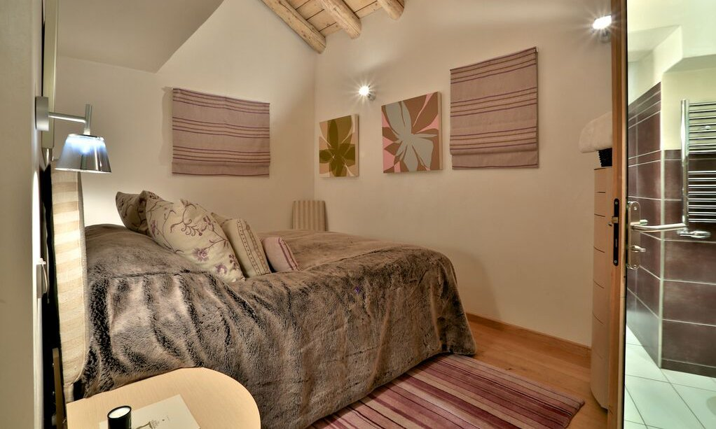 Cosy Ensuite Double Bedroom