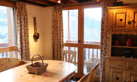 Chalet Cigales Dining Room and Balcony