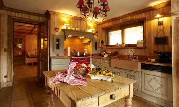 Traditional rustic chalet kitchen