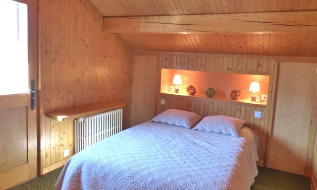 Double bedroom in Chalet La Renarde