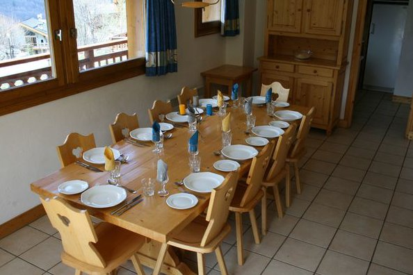 Chalet Dining Table