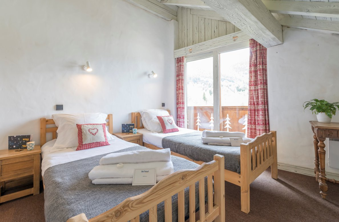 Chalet Lou Trave Twin Bedroom