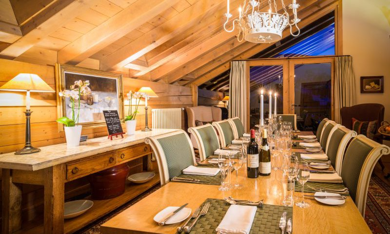 Chalet Dining in Style Chalet Moguls