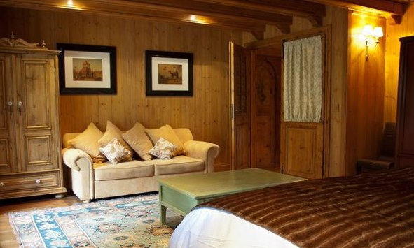 Large Chalet Bedroom