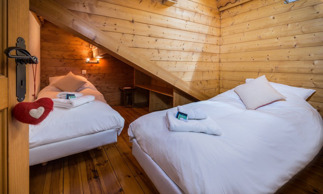 Twin Bedroom Chalet Snowdrop