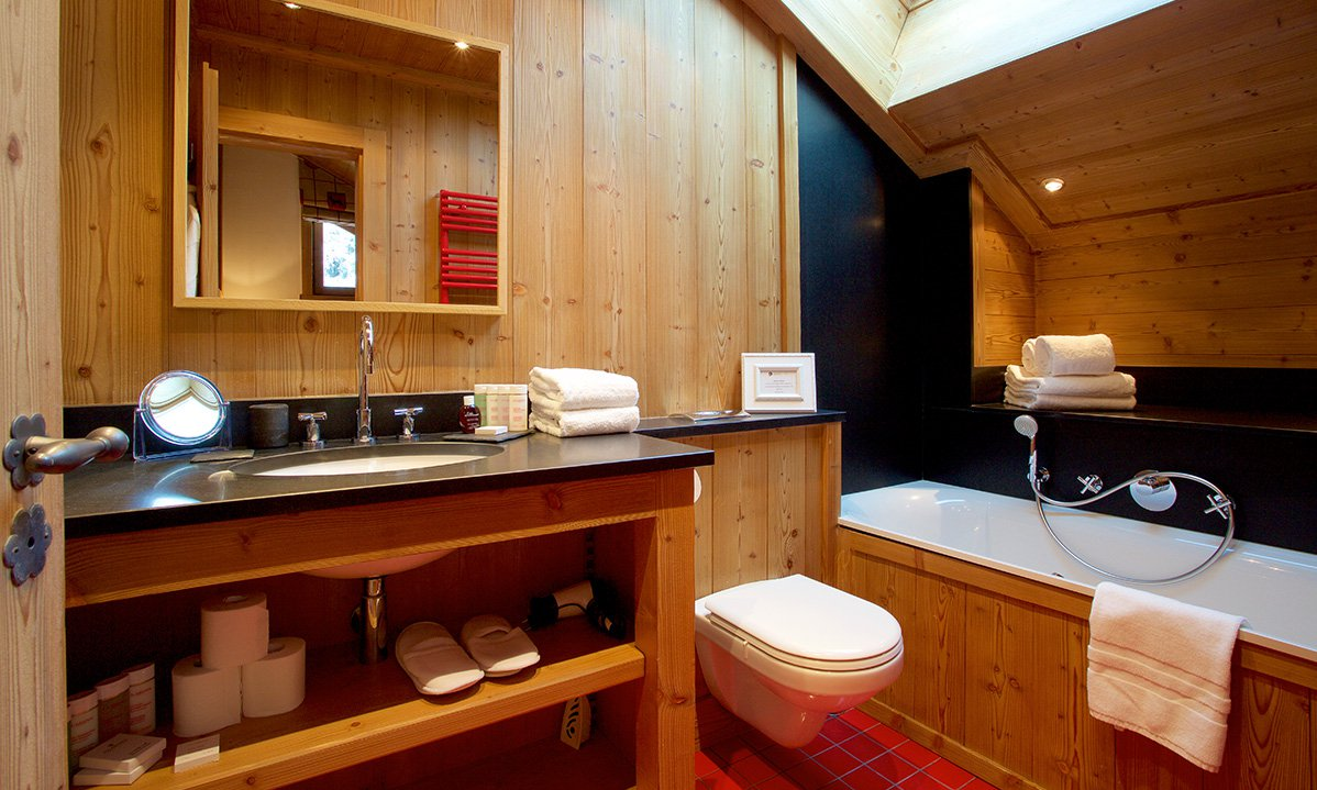 Chalet Trois Ours Bathroom with Bath