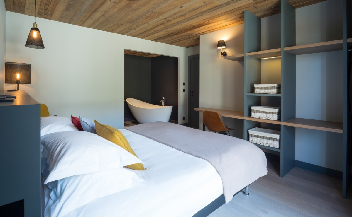 Chalet Caro Double Bedroom
