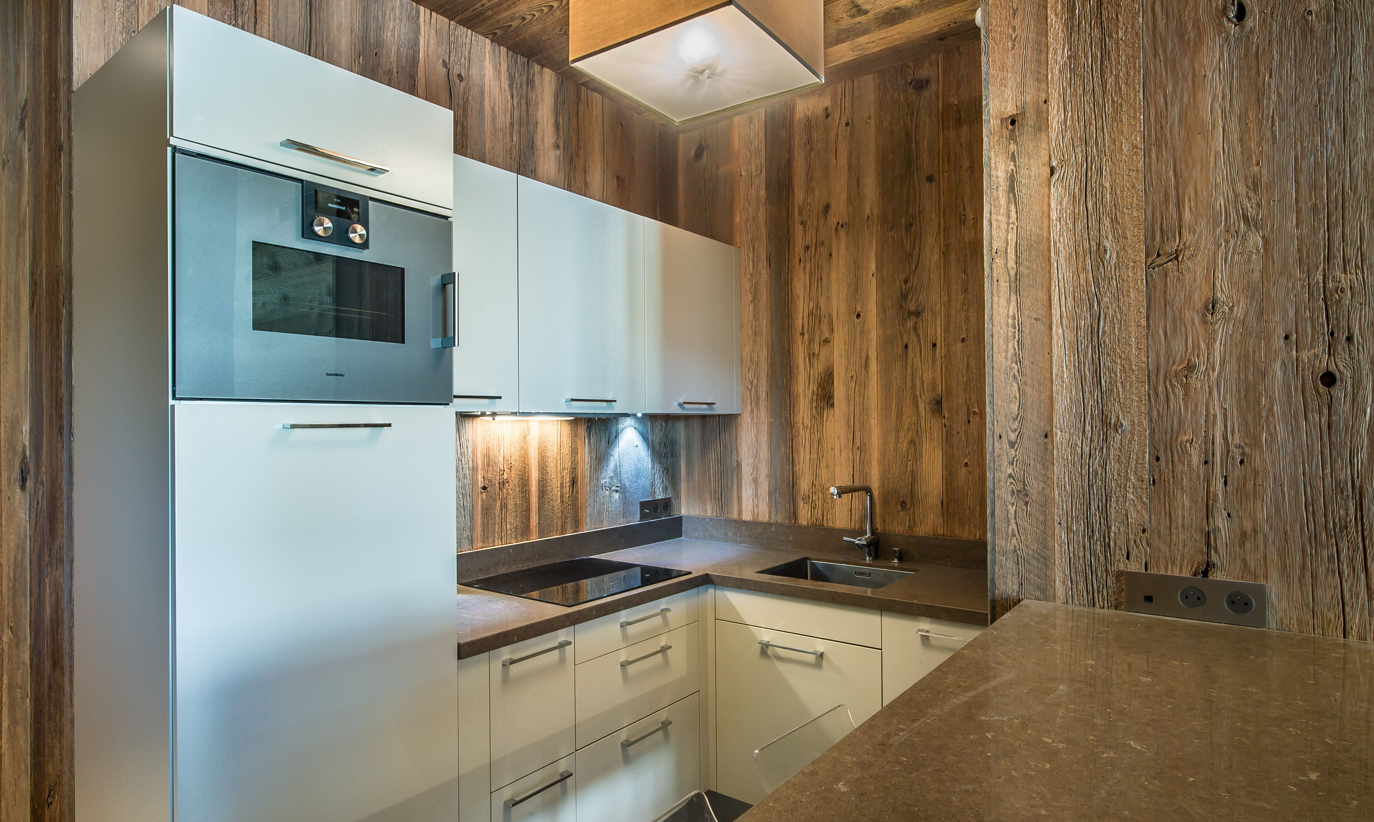 Fully equipped kitchen in apartment Aspen Lodge 21 Meribel