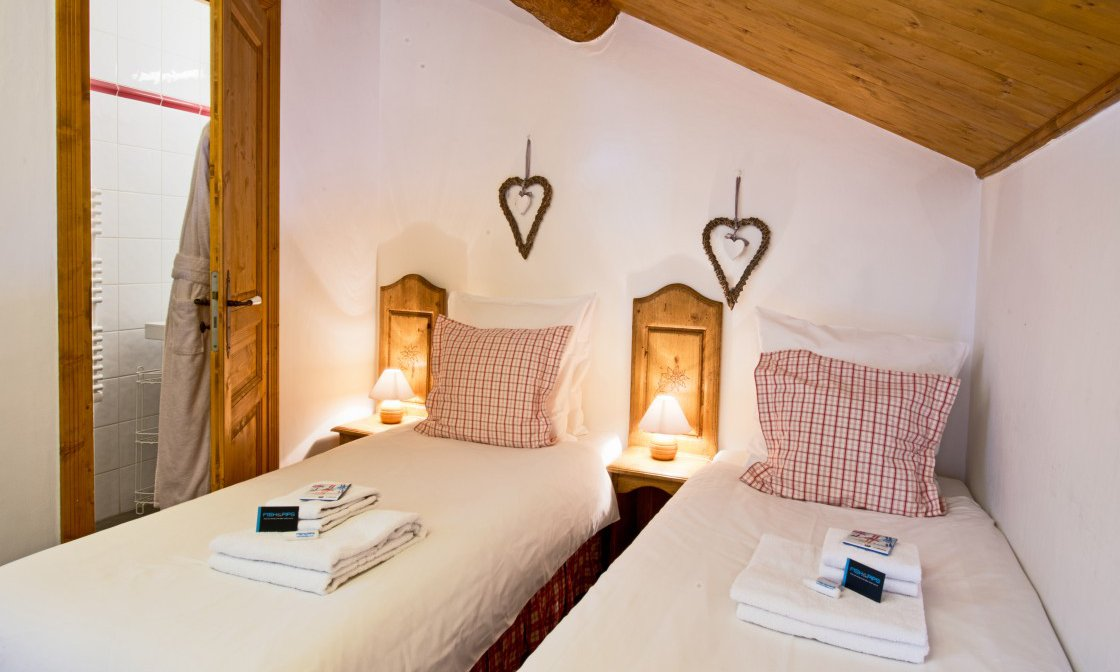 Twin Room Chalet Aurigny