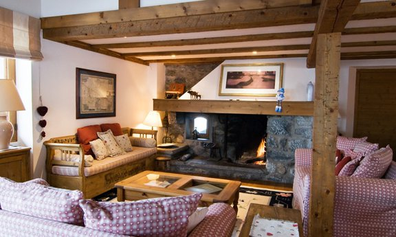 Chalet Bambis Fire and Lounge