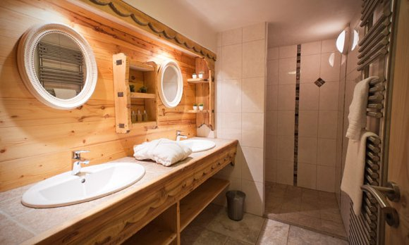 Chalet des Neiges Bathroom