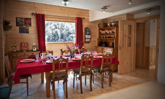 Chalet des Neiges Dining Room