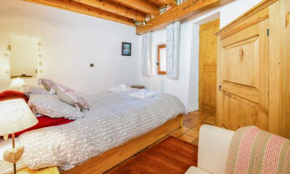 Chalet Meilleur Double Bedroom