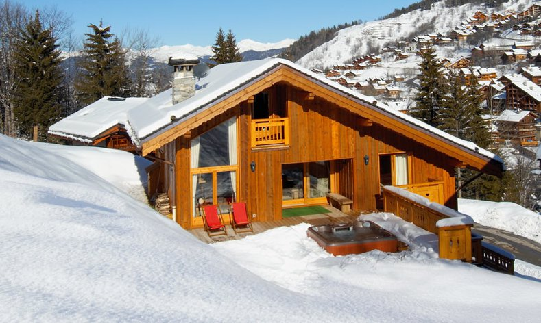 Chalet Taiga in the Snow