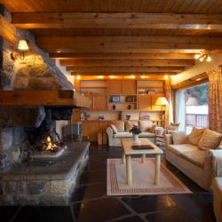 Chalet Cecilia Lounge and Fire
