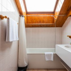 Chalet Chez Menor Bathroom