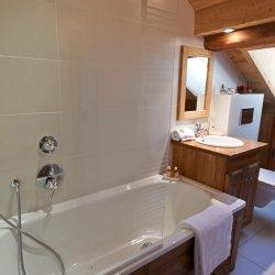 Chalet Annabel Lovely Bathroom