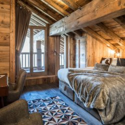 Chalet Cerf Rouge double bedroom