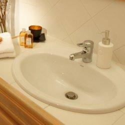Chalet Chanteclaire B Bathroom