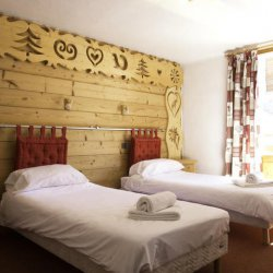 Twin Bedroom in Chalet Daurel