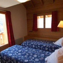 Chalet La Grange Twin Bedroom