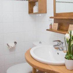 Chalet Jolie Bathroom
