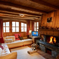 Chalet Sabaudia Cosy Living Room