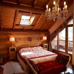 Chalet Sabaudia Double Bedroom