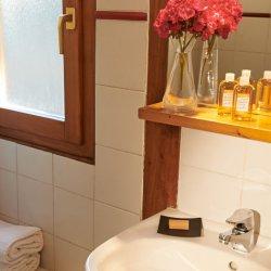 Chalet Sandy Bathroom