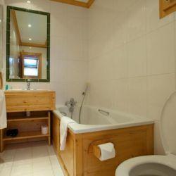 Chalet Quatre Meules Bathroom