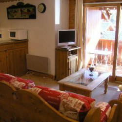 The living and kitchen area in apartment Fermes de Meribel 13 Meribel Village