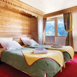Twin bedroom in Chalet Sylvie Meribel