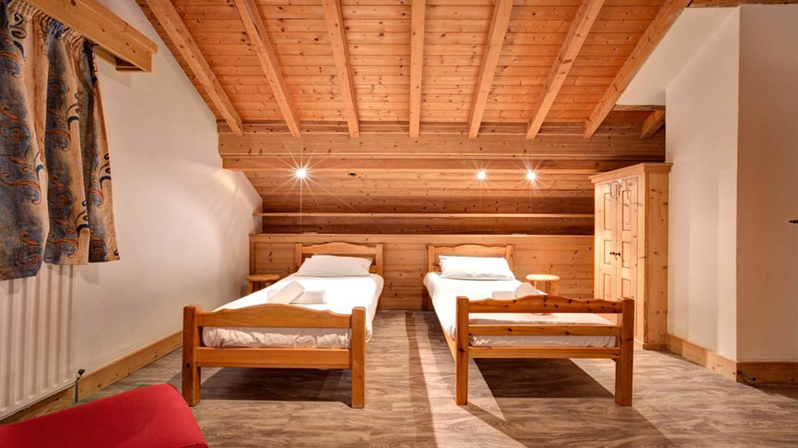 Chalet Elodie Twin Bedroom