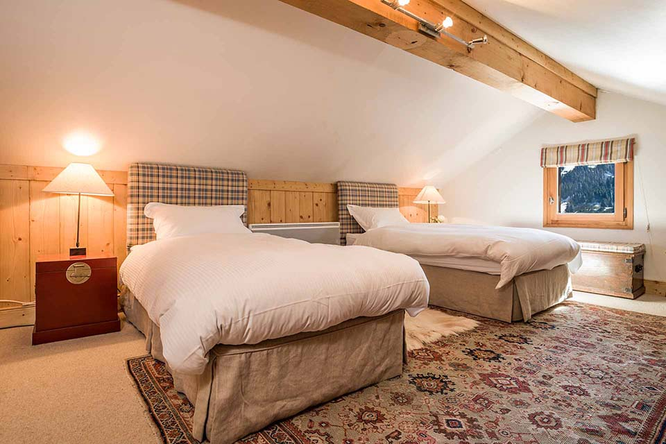 Chalet Les Bartavelles twin bedroom