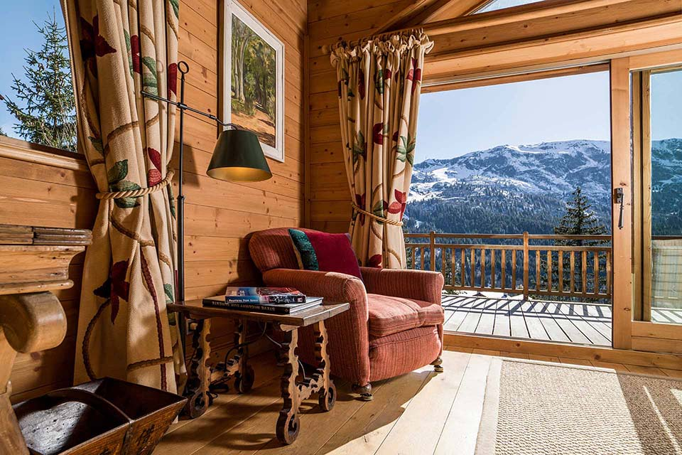 Chalet Les Bartavelles corner chair and view