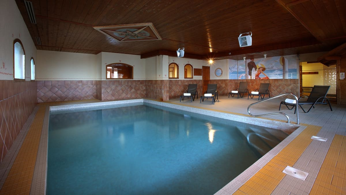 Chalet Caribou Swimming Pool