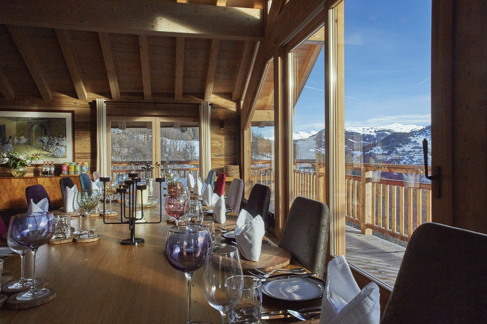 Chalet Iona Dining Table