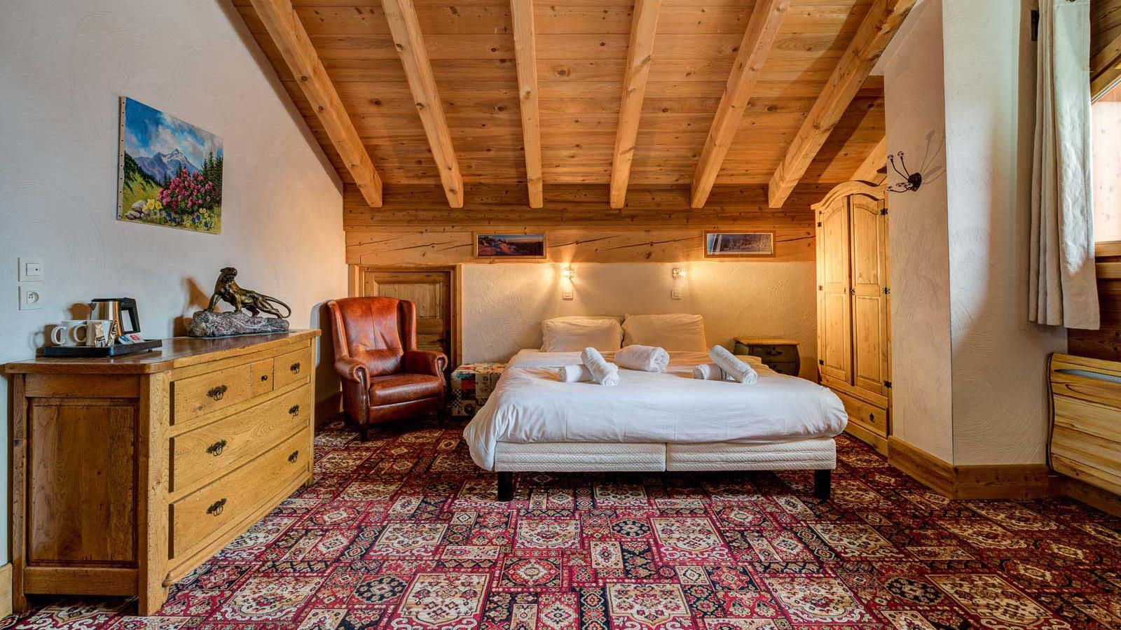 Chalet Laetitia double bedroom