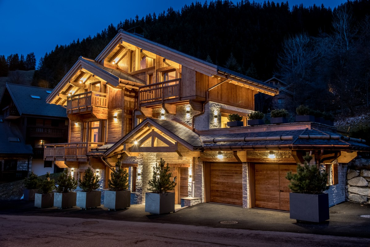 Chalet L'Arpege Exterior at Night