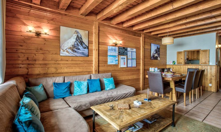 Chalet Coucher du soleil living dining room
