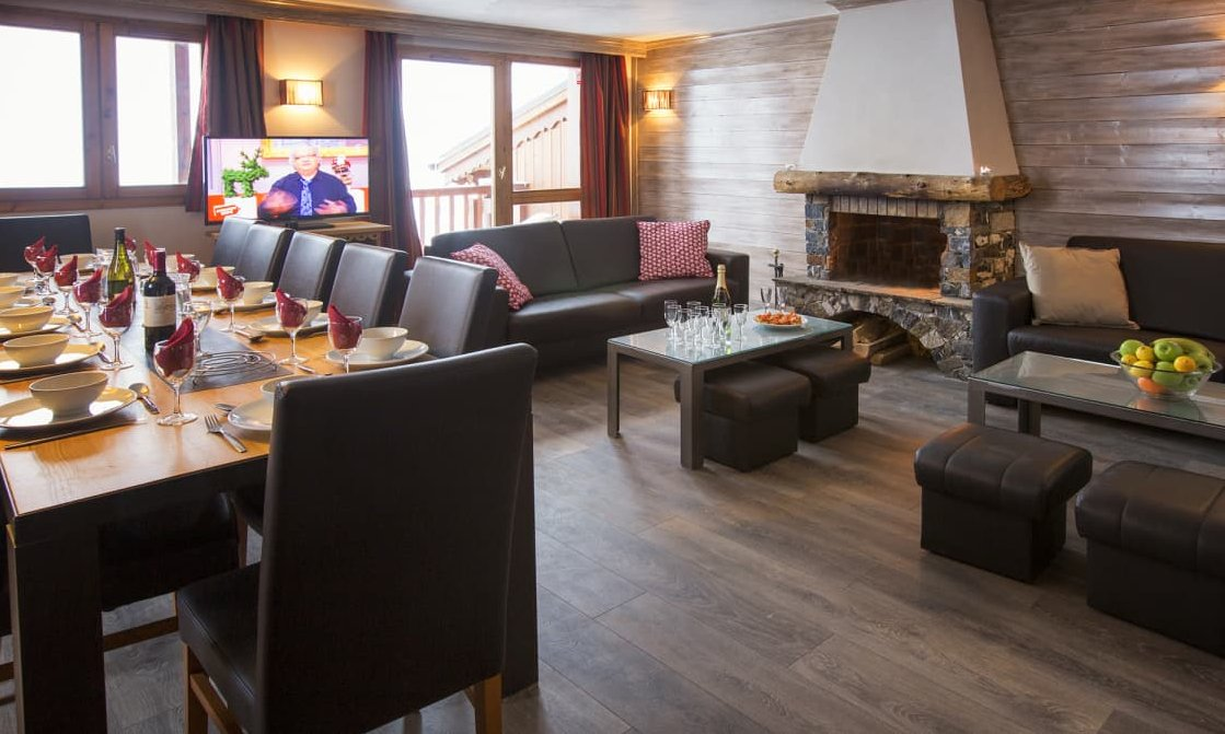 Chalet Ibex Living Dining Room