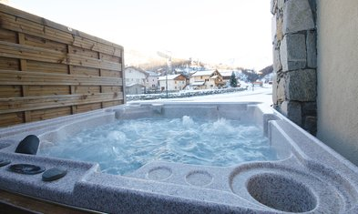 Chalet Katerina Hot Tub