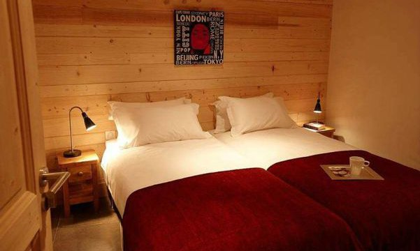 Twin Bedroom in Chalet Croquette
