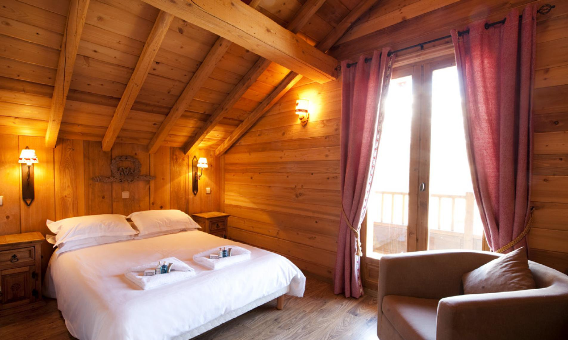 Lovely bedroom in Club Chalet Pierre