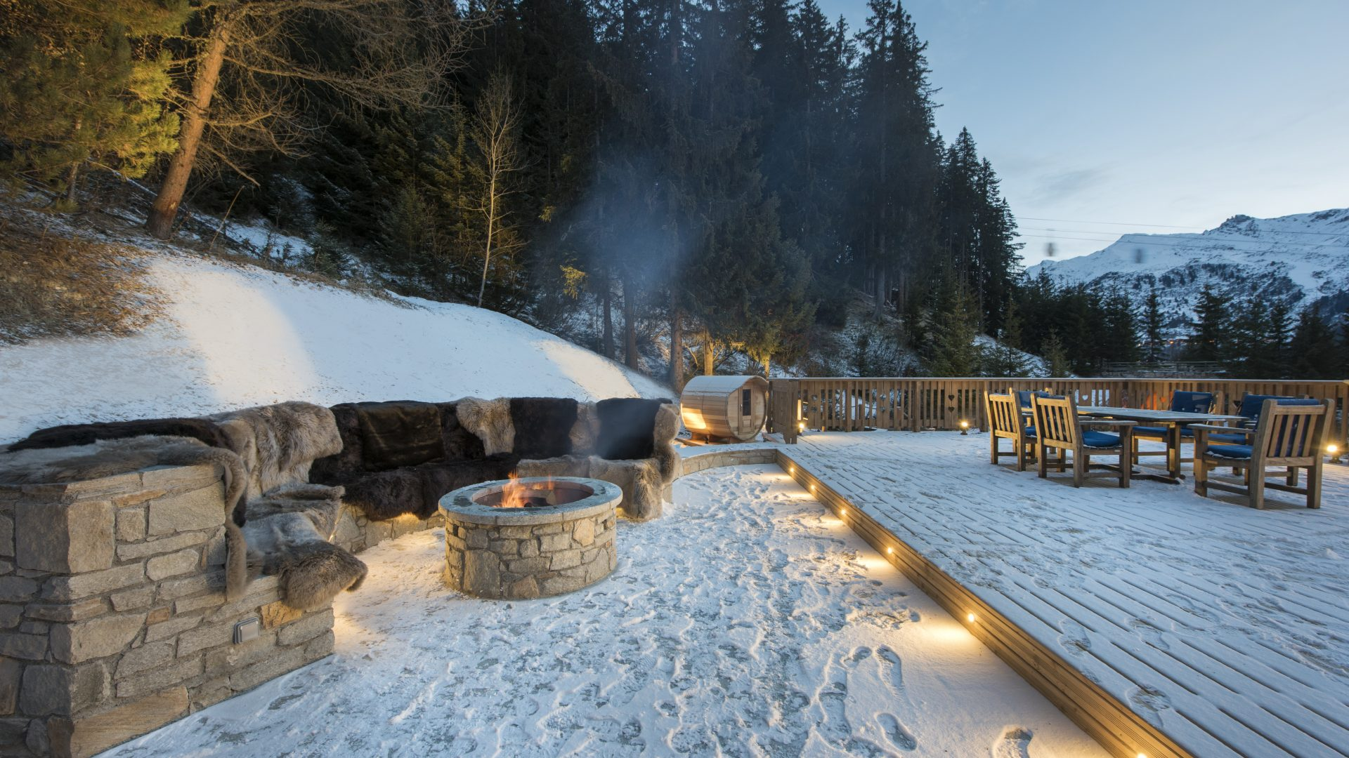Chalet Valentine Outside Fire Pit