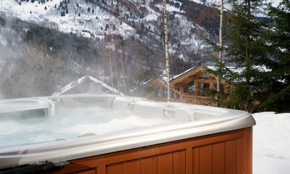 Chalet Bellevue Hot Tub