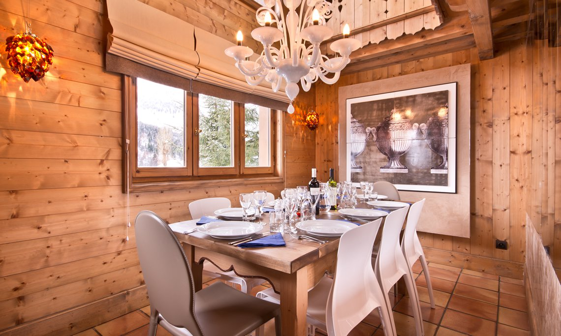 The dining area in Luxury Chalet Brioche in Meribel