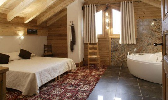 Chalet Laetitia with hot tub