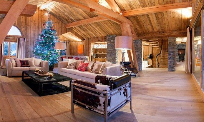 Chalet Mont Tremblant Bright and Airy Lounge
