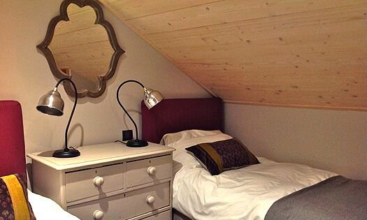 Twin bedroom in Chalet Montee